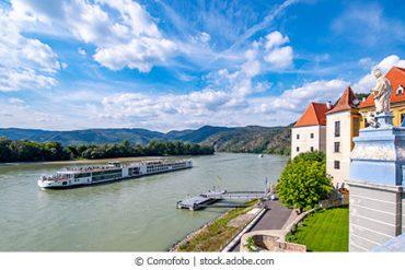 Dürenstein_-Wachau-Donau_webc_kl