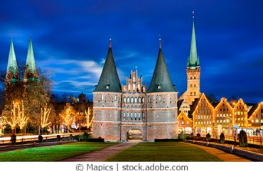 Weinachtsmarkt-Lübeck-Fotolia_131466836_M_webC_kl